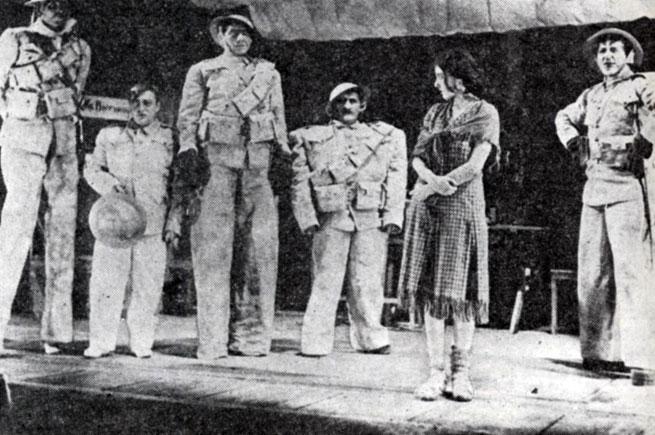 Сцена из спектакля 'Что тот солдат, что этот' Б. Брехта. Штаатстеатер (Берлин). 1931 г.